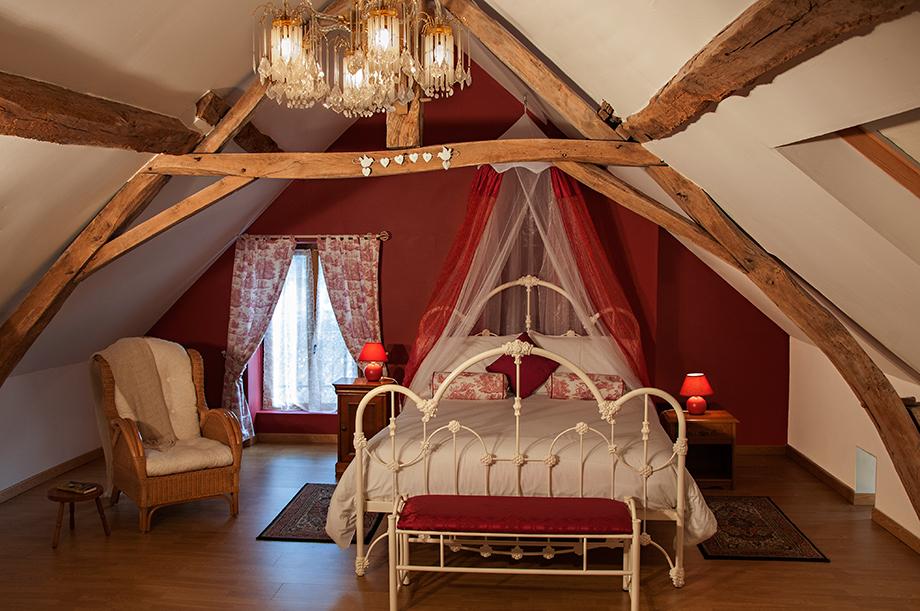 Cottage-Main-Bedroom-1.jpg
