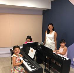 Little Pianists