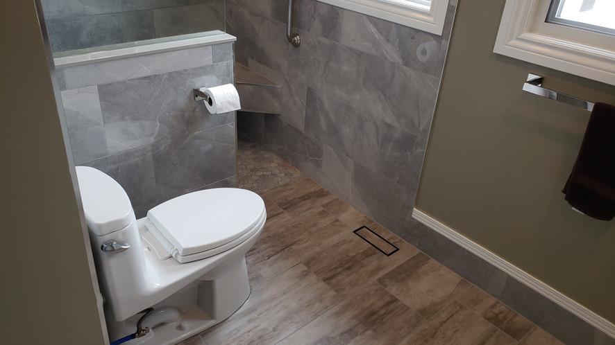 Master Bathroom Toilet Area.jpg