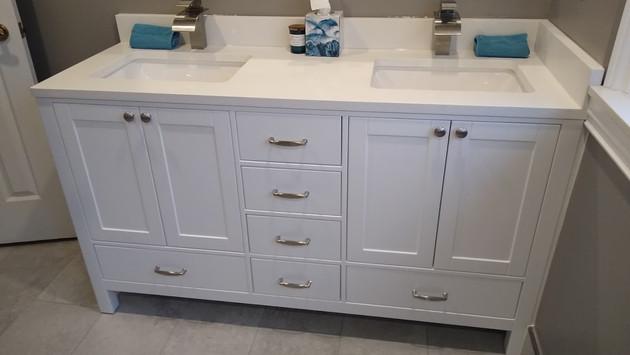 Custom Bathroom Cabinet With Quartz Countertop