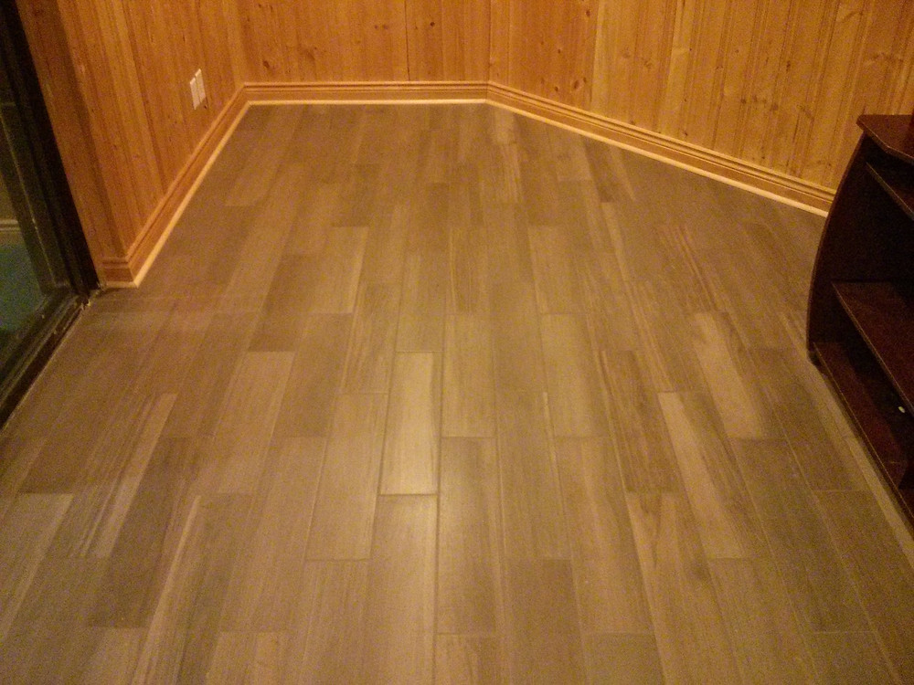 Wood look porcelain plank tile
