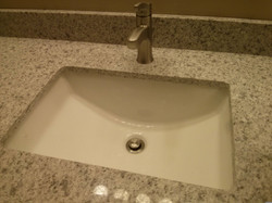 Bathroom Sink With Single Lever Faucet