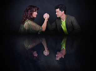 Kathryn-Roberts-and-Sean-Lakeman-Novembe