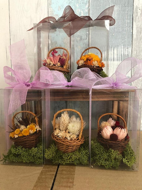 Mini Baskets with Hanger