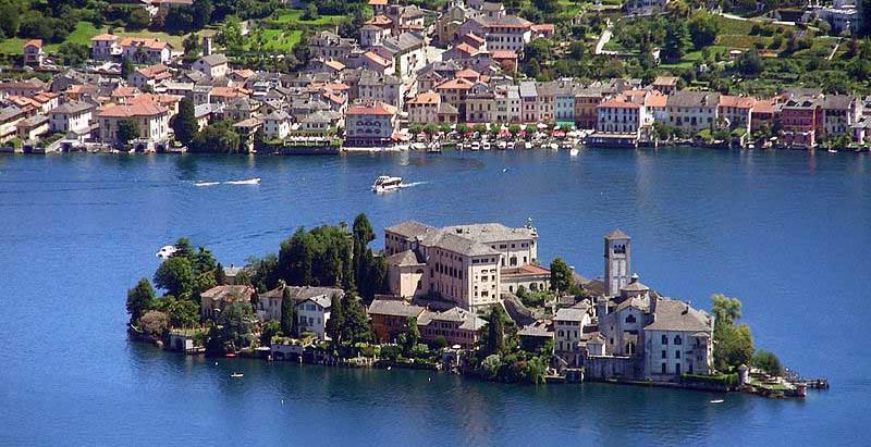 Isola di San Giulio a soli 4 chilometri