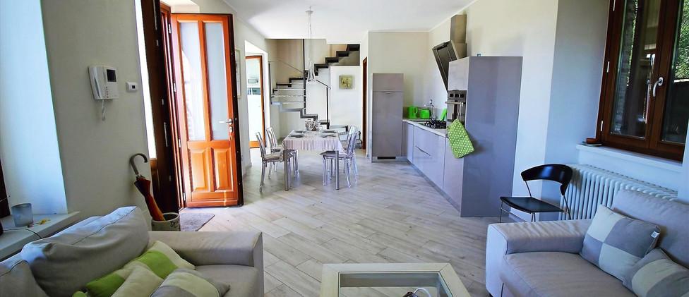 Cottage Alpino soggiorno con zona pranzo