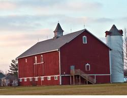 20090428-031940_barlow barn 2.jpg