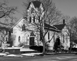 20090428-025633_old-church.jpg