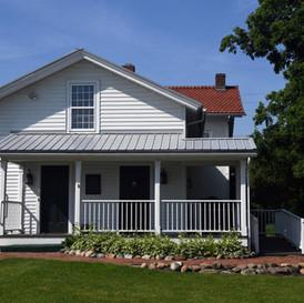 Case-Barlow-Farmhouse02.jpg