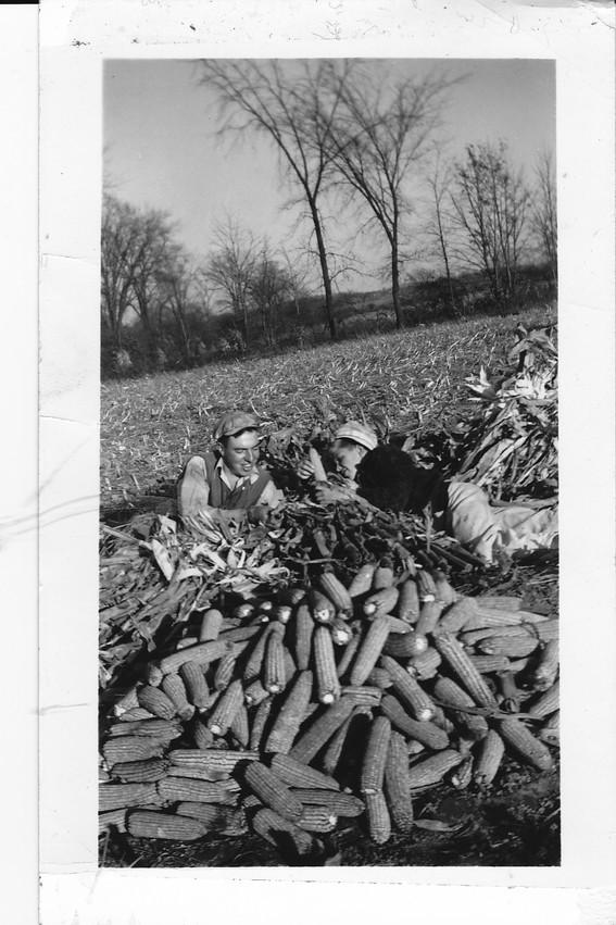 Don-Barlow-with-corn-1.jpg