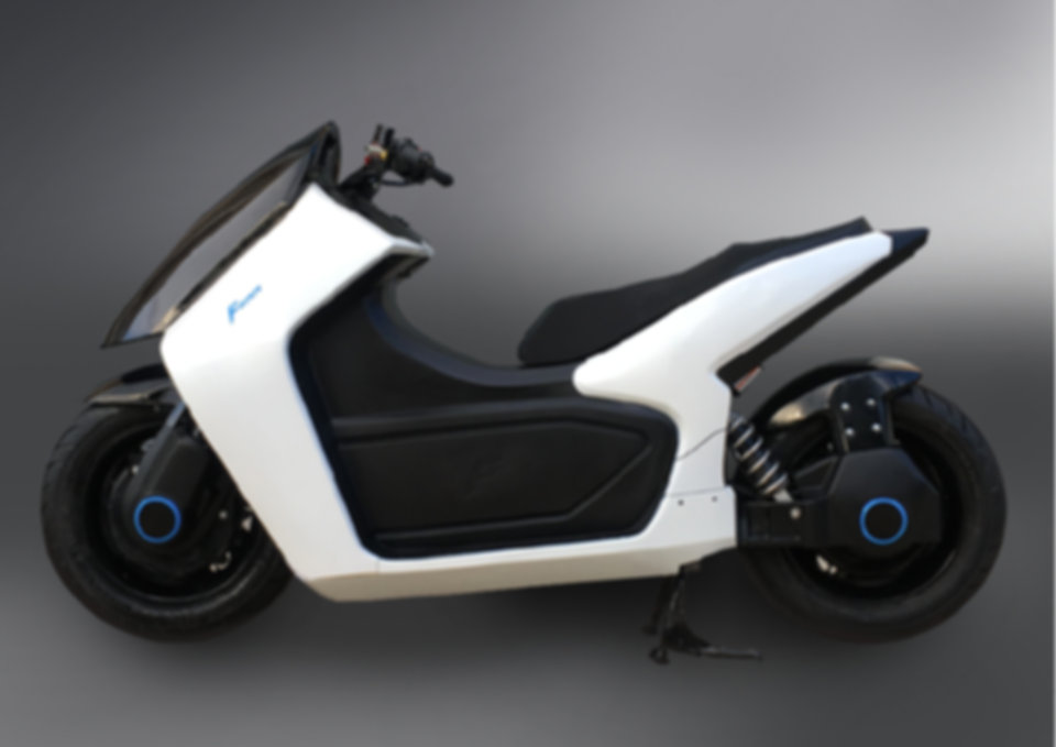 FOMM Scooter Exterior