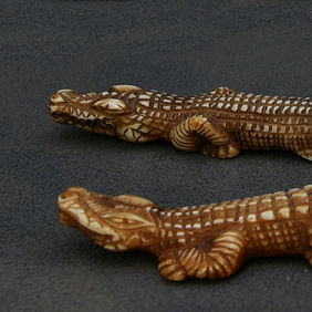 Alligator 1.0 X 13.5cm, 1.0X9.0 cm, Ivory,פיסול, בוריס צלניקר,  boris tselnicker, борис цельникер