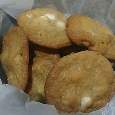 Thin White Chocolate Chip Macadamia