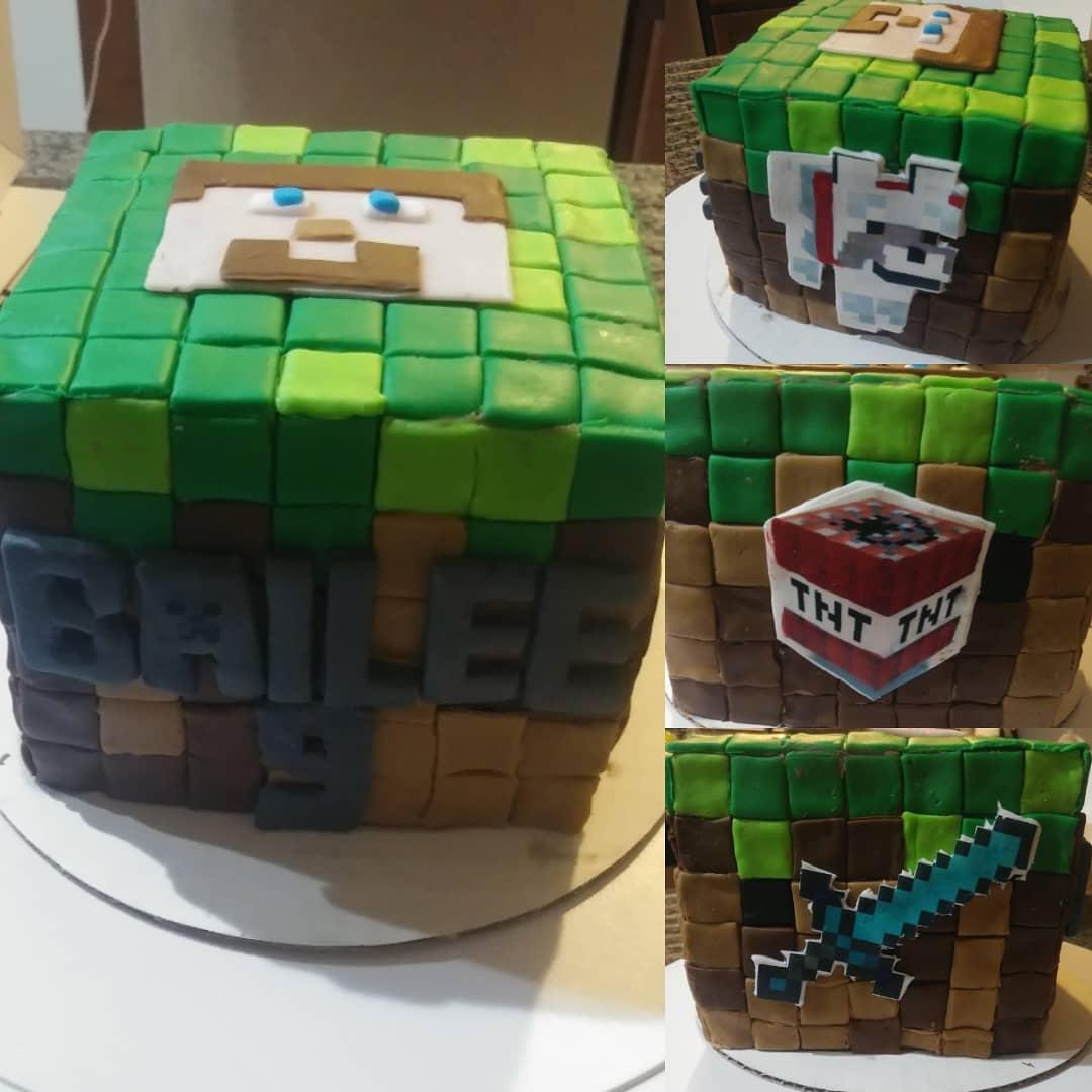 MINECRAFT- birthday cake