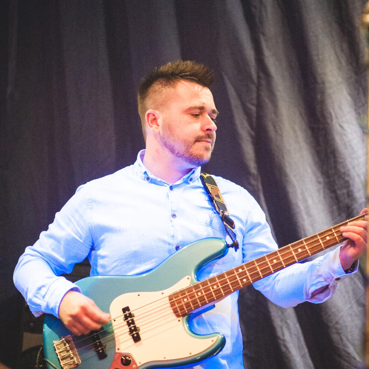 Shaun Pursey - Professional Bassist