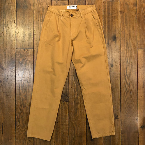 Pleats brown trousers