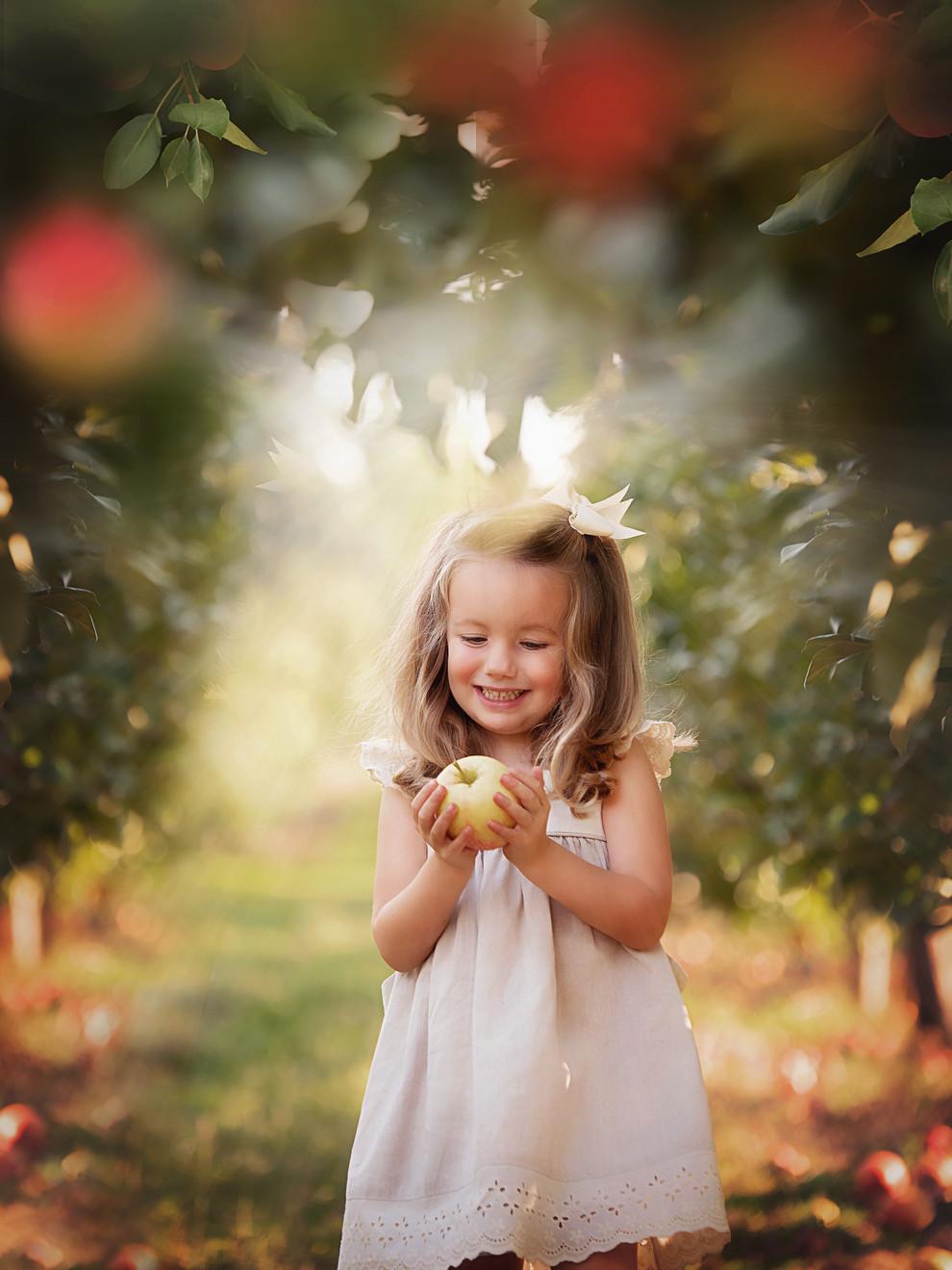 harper apples.jpg