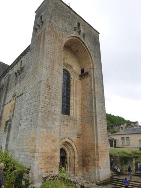 Porche de l'église-abbatiale