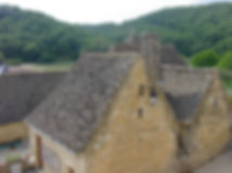 Toits en lauzes à Saint-Amand de Coly