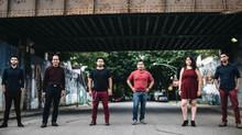 Quinto Imperio, un grupo de inmigrantes mexicanos de Chicago que da voz a los indocumentados