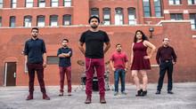 Una banda que le da voz a los indocumentados