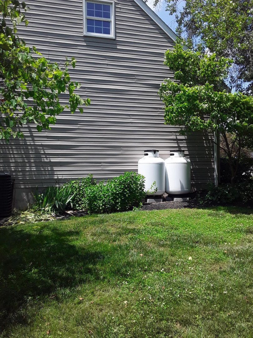 2 propane tanks for sale by house