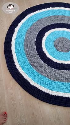 שטיח טריקו סרוג בהזמנה אישית. ניתן להזמין בכל גודל ומתוך מלאי גדול של צבעים