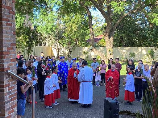 Palm Sunday Viet Mass.jpg