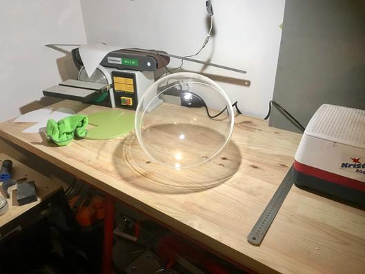 Sphere plexiglas.jpg