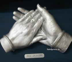 anniversary holding hand
