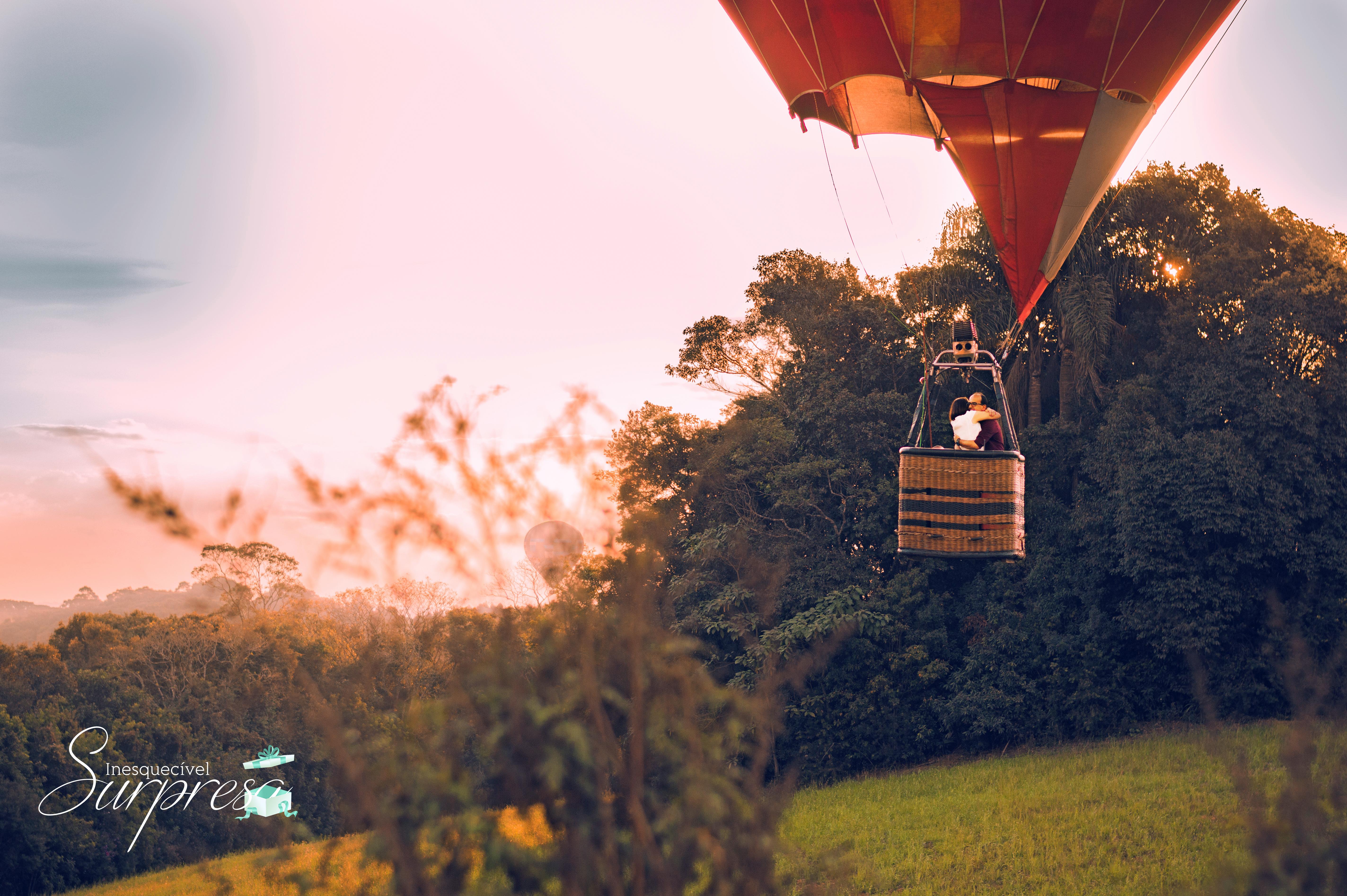 Pedido de casamento voando balão ar