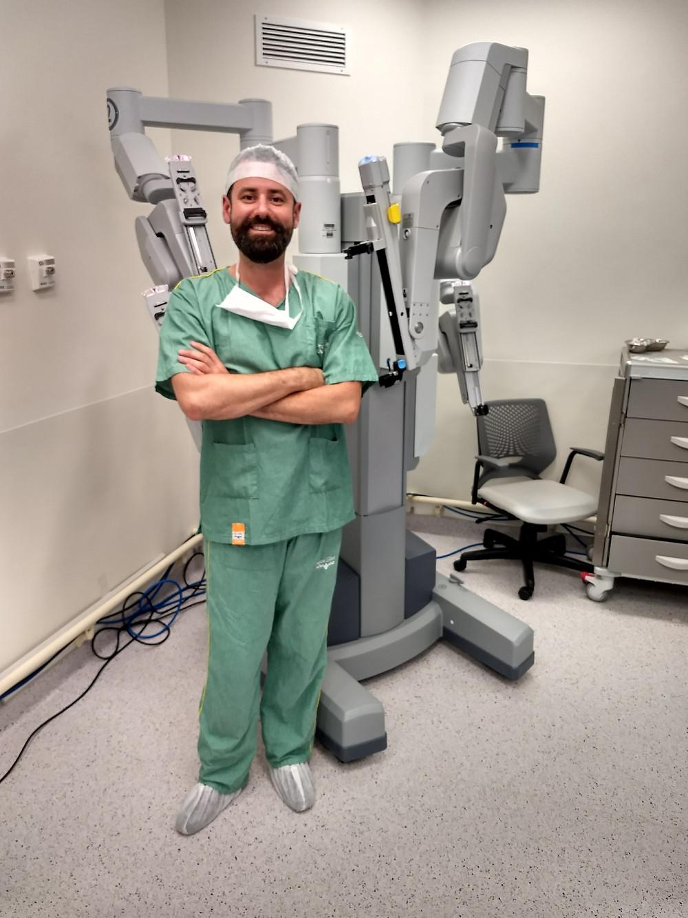 Dr Flávio Heldwein. Robó Da Vinci Si.