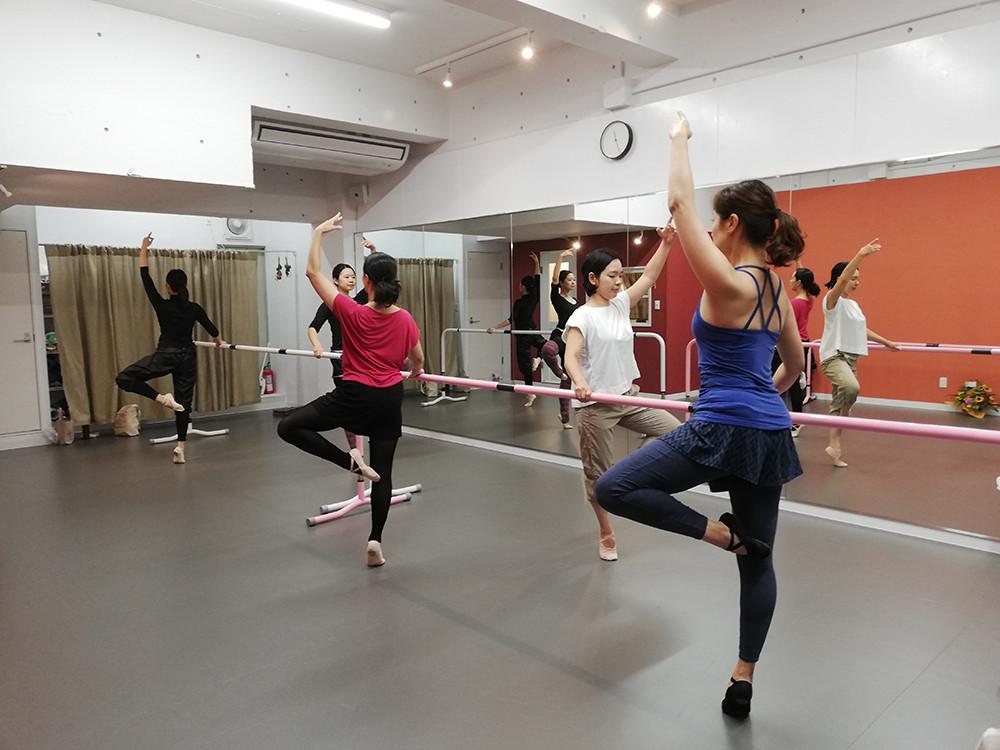 バレエ〈大人&ママクラス〉