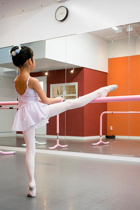バレエ子どもクラス〈フルール〉