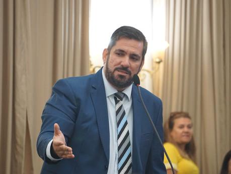 Leonardo Dias repudia intervenção de JHC em eleição de mesa diretora e declara oposição ao prefeito