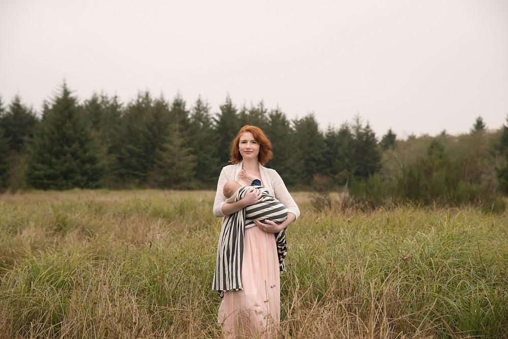 breastfeeding, outdoor photo shoot
