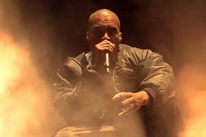 Kanye West pasirodymas Glastonbury festivalyje patraukė lažybų bendrovių dėmesį: ar reperis bus nušv
