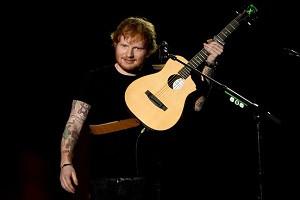 """Ed Sheeran hitas """"Thinking Out Loud"""" tapo pirmuoju, kuris britų tope išsilaikė ištisus met"""
