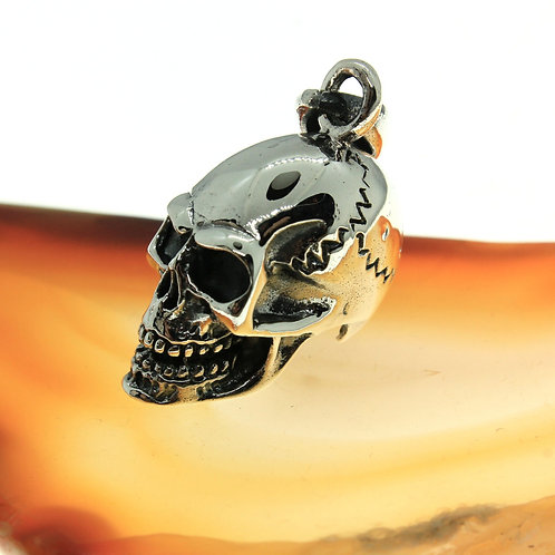 Cracked Skull - 925 Sterling Silver Pendant