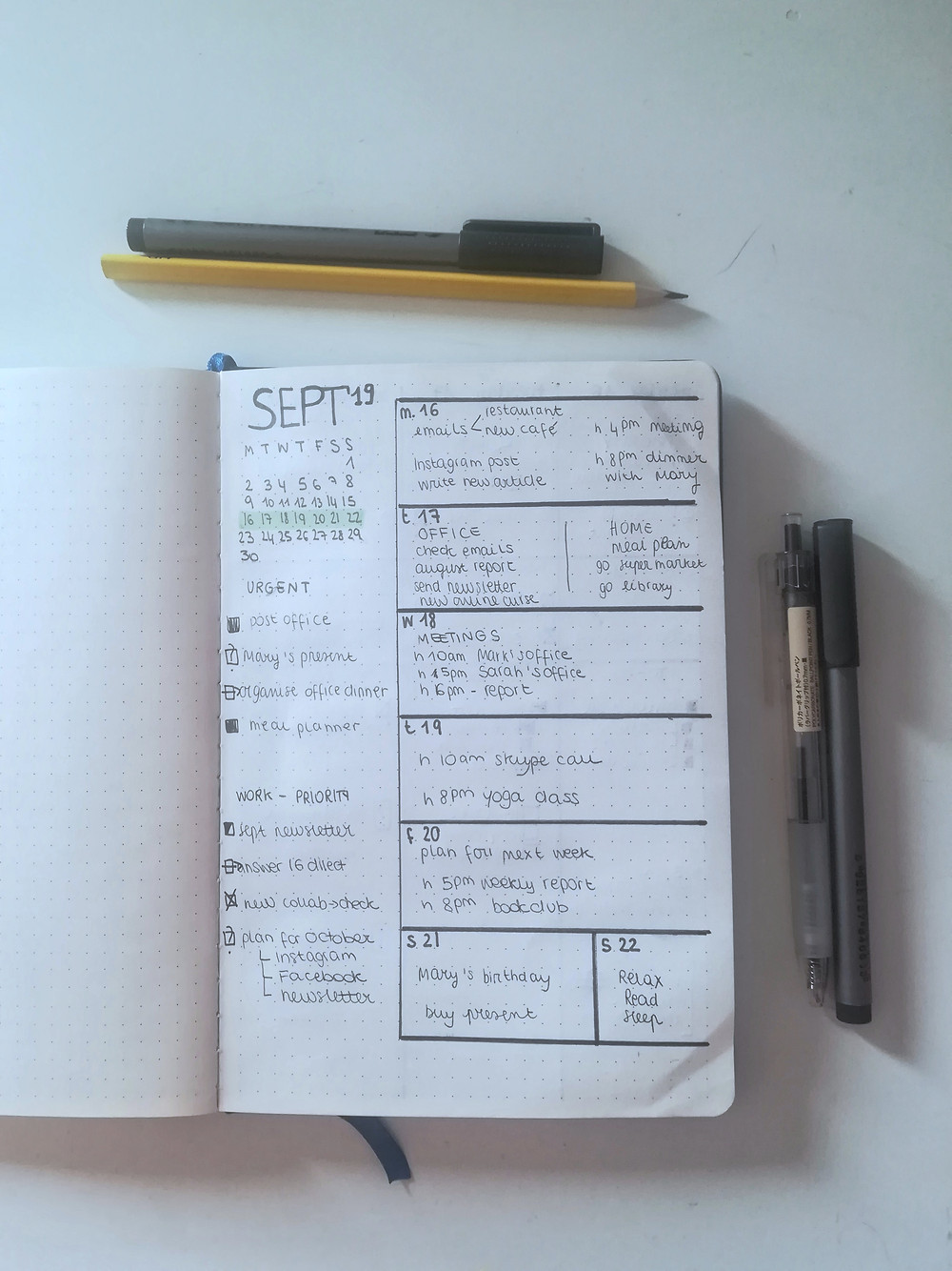 to-do lists, bullet journal, bullet and paper book