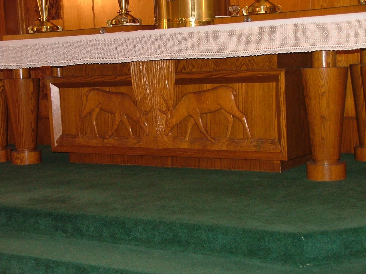 Base du maître-autel