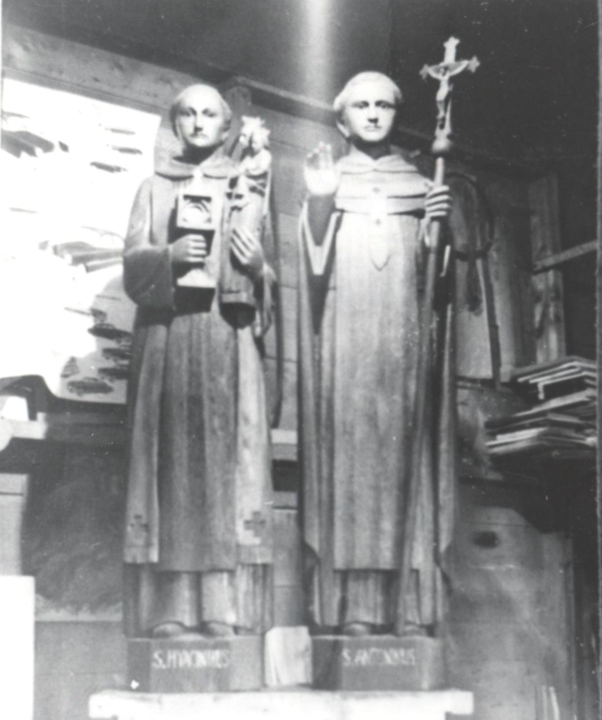 Deux statues pour la nef de l'église