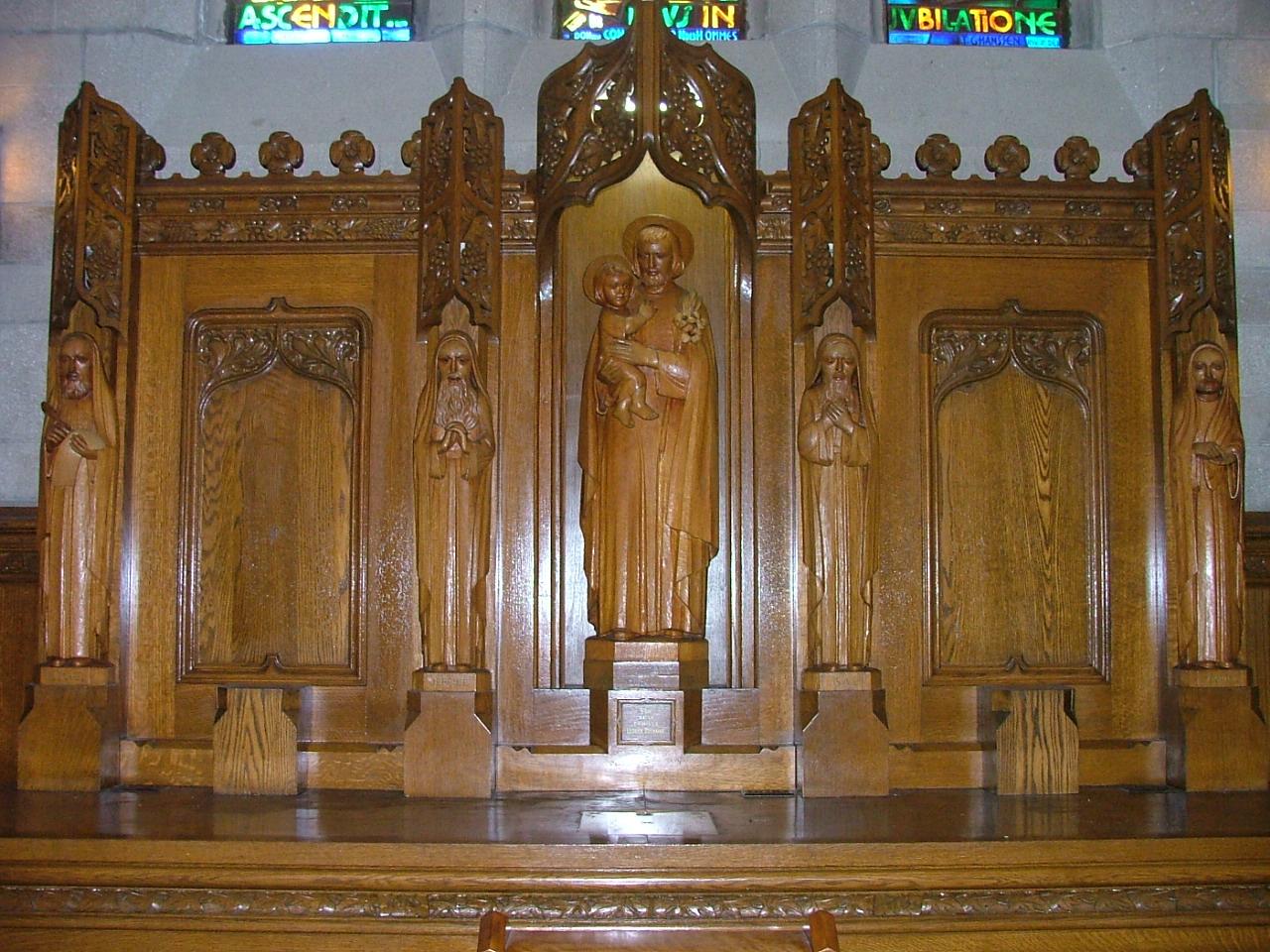 Autel latéral dédié à Saint Joseph