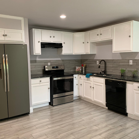 4120 Ave G kitchen.jpg