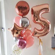 Pušķis ar personalizētu balonu un cipara balons