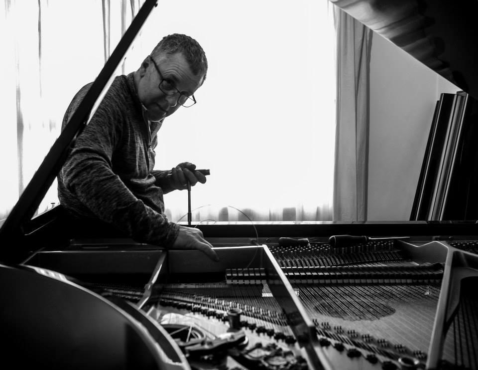 Glenn Easley piano tuner/technician