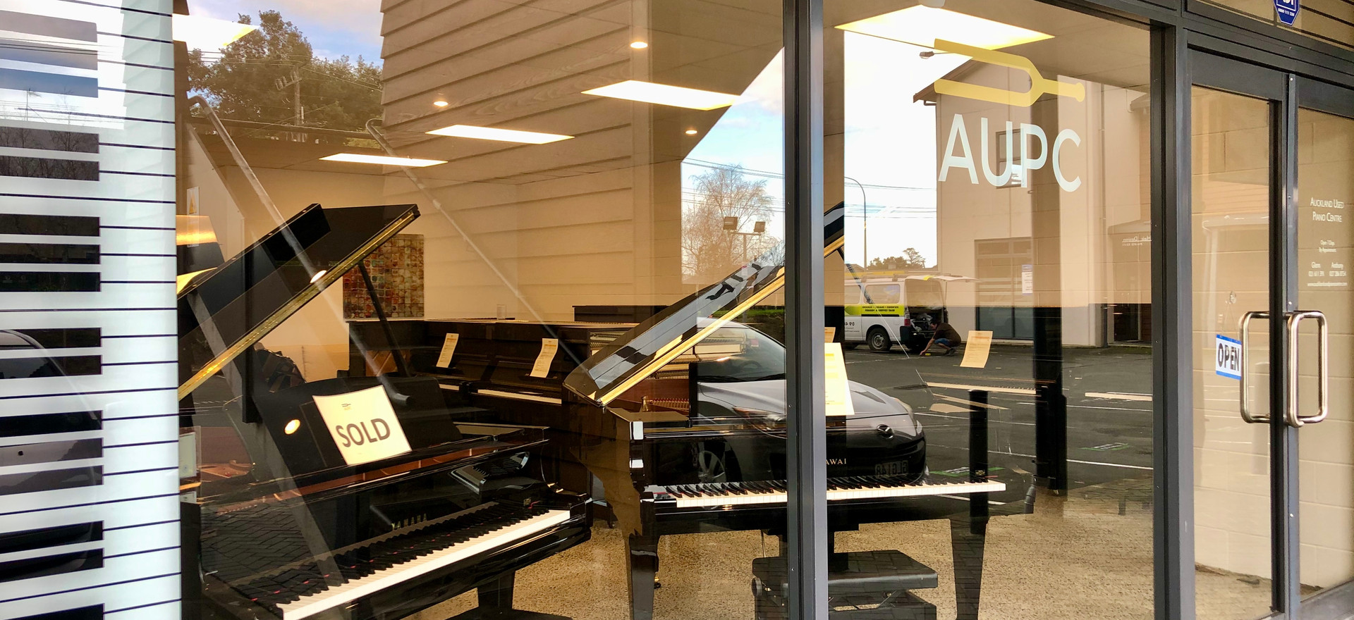 Auckland Used Piano Centre