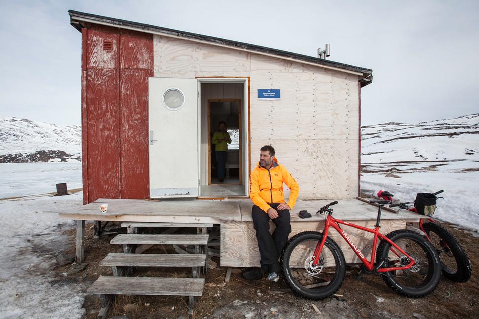På fatbike nord for polarcirklen - Qaasuitsup Killeqarfiata avannaani fatbikenik sikkilerluni