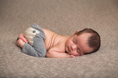 Glendale AZ newborn photographer