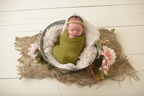 phoenix newborn photographer baby girl